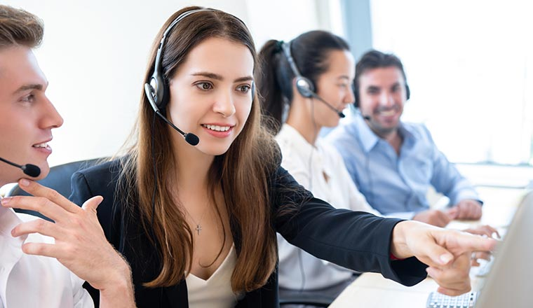 3 Call Center Software Features to Increase Sales